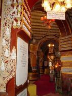 Asisbiz Thanboddhay paya main Buddhas Monywa Sagaing Myanmar Dec 2000 12