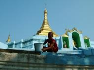 Asisbiz Between Kyauktan and Thilawa Port blue pagoda Oct 2004 11