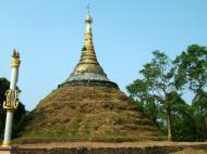 Asisbiz Area C Thanlyin adjacent pagodas Oct 2004 02
