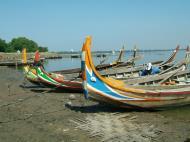 Asisbiz Myanmar Amarapura Mandalay Thaungthaman lake boats Nov 2004 02