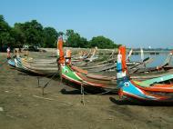Asisbiz Myanmar Amarapura Mandalay Thaungthaman lake boats Nov 2004 03