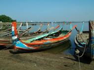Asisbiz Myanmar Amarapura Mandalay Thaungthaman lake boats Nov 2004 05