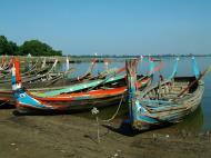 Asisbiz Myanmar Amarapura Mandalay Thaungthaman lake boats Nov 2004 06