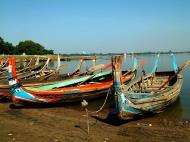 Asisbiz Myanmar Amarapura Mandalay Thaungthaman lake boats Nov 2004 08
