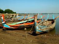 Asisbiz Myanmar Amarapura Mandalay Thaungthaman lake boats Nov 2004 09
