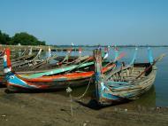 Asisbiz Myanmar Amarapura Mandalay Thaungthaman lake boats Nov 2004 11