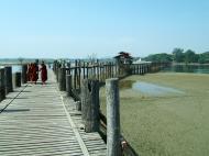 Asisbiz U Beins bridge Amarapura Mandalay Myanmar Nov 2004 07