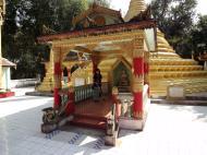 Asisbiz U To near Hle Guu main monastery stupa 2010 01