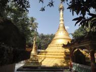 Asisbiz U To near Hle Guu main monastery stupa 2010 05