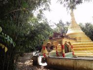 Asisbiz U To near Hle Guu main monastery stupa 2010 06