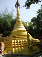 Asisbiz U To near Hle Guu main monastery stupa 2010 07