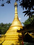 Asisbiz U To near Hle Guu main monastery stupa 2010 10