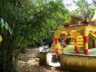 Asisbiz U To near Hle Guu monastery bamboo gardens 2010 01