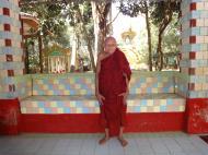 Asisbiz U To near Hle Guu way to Prome head monk U Ku Tha La 2010 01