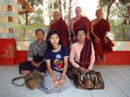 Asisbiz U To near Hle Guu way to Prome head monk U Ku Tha La 2010 05