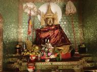 Asisbiz U To near Hle Guu way to Prome sacred Buddha Jan 2010 05