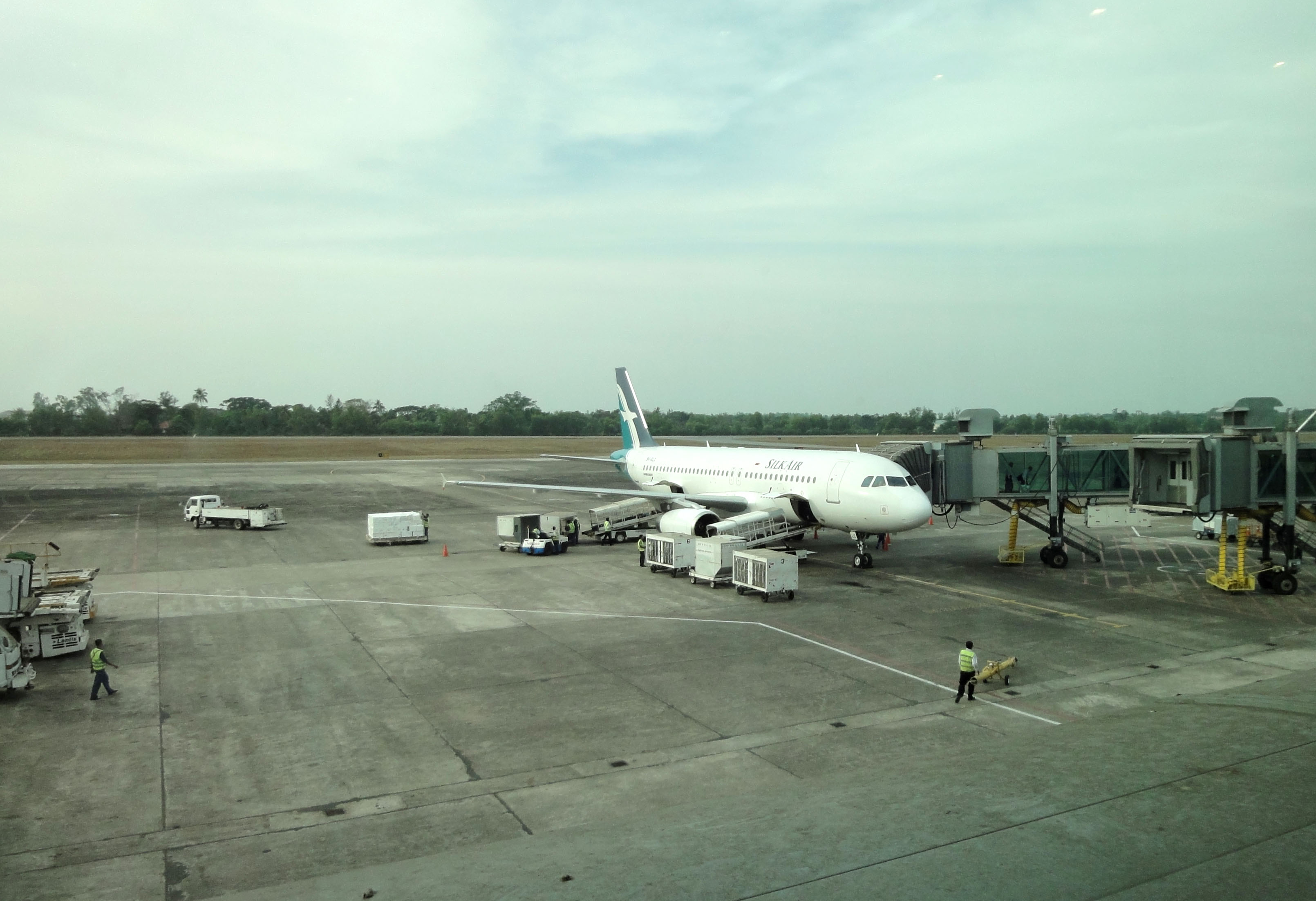 Silk Air flight SIN RGN IATA RGN ICAO VYYY Yangon International Airport Mingaladon 04
