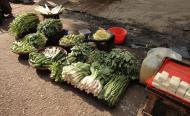 Asisbiz Yangon Hledan street market venders Myanmar 2009 04