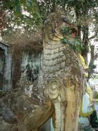 Asisbiz Yangon Monastery Dragon Guard Dec 2000 01