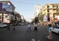 Asisbiz Yangon street scenes Myanmar Jan 2010 04