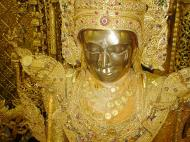 Asisbiz Zalun Pagoda main Buddha Jan 2001 08