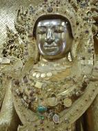 Asisbiz Zalun Pagoda main Buddha Jan 2001 13
