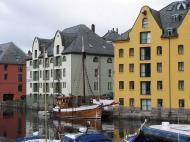 Asisbiz Bergen Norway 01