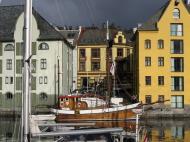 Asisbiz Bergen Norway 02