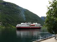Asisbiz MS Finnmarken Passenger Cargo Ship Norway 01