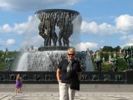 Asisbiz Vigeland Sculpture Park The Fountain Oslo Norway 02