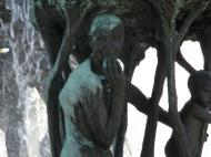 Asisbiz Vigeland Sculpture Park The Fountain Oslo Norway 03