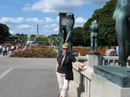 Asisbiz Vigeland Sculpture Park The Fountain Oslo Norway 05