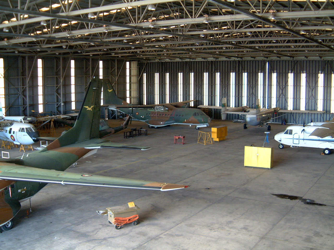 PNG Defence Force Hangar Jacksons Airport Sep 2002 02