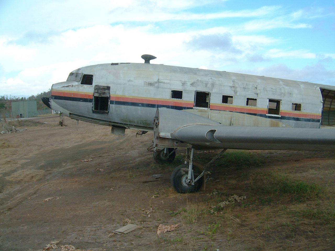 Port Moresby C 47 Air Niugini N55894 abandoned Sep 2002 06