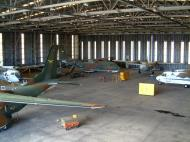 Asisbiz PNG Defence Force Hangar Jacksons Airport Sep 2002 02