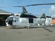 Asisbiz PNG Madang Airport Heli KA 32 RA 31032 Sep 2002 01