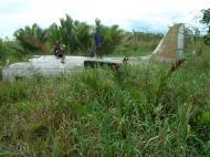 Asisbiz C 47 Dakota USAAF 5AF 42 23659 crash site PNG Oct 2002 11