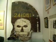 Asisbiz B 24 Liberator Tail USAAF 5AF 42 41081 22BG19BS Sep 2002 01