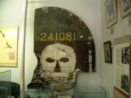 Asisbiz B 24 Liberator Tail USAAF 5AF 42 41081 22BG19BS Sep 2002 02