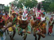Asisbiz PNG Port Morseby villagers tribal dance Sep 2002 01