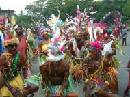 Asisbiz PNG Port Morseby villagers tribal dance Sep 2002 03