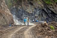 Asisbiz Banaue Mayoyao Aguinaldo Potia Ramon road repairs and construction Aug 2011 04