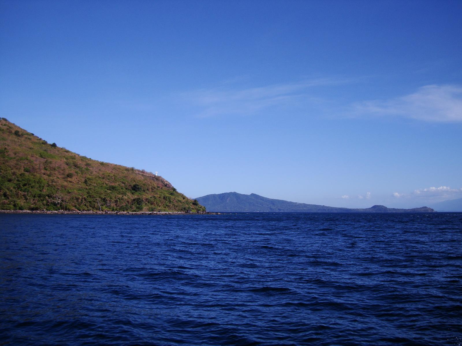 Bagalangit Point lighthouse Calumpan Peninsula viewed from a banca Anilao Batangas 04