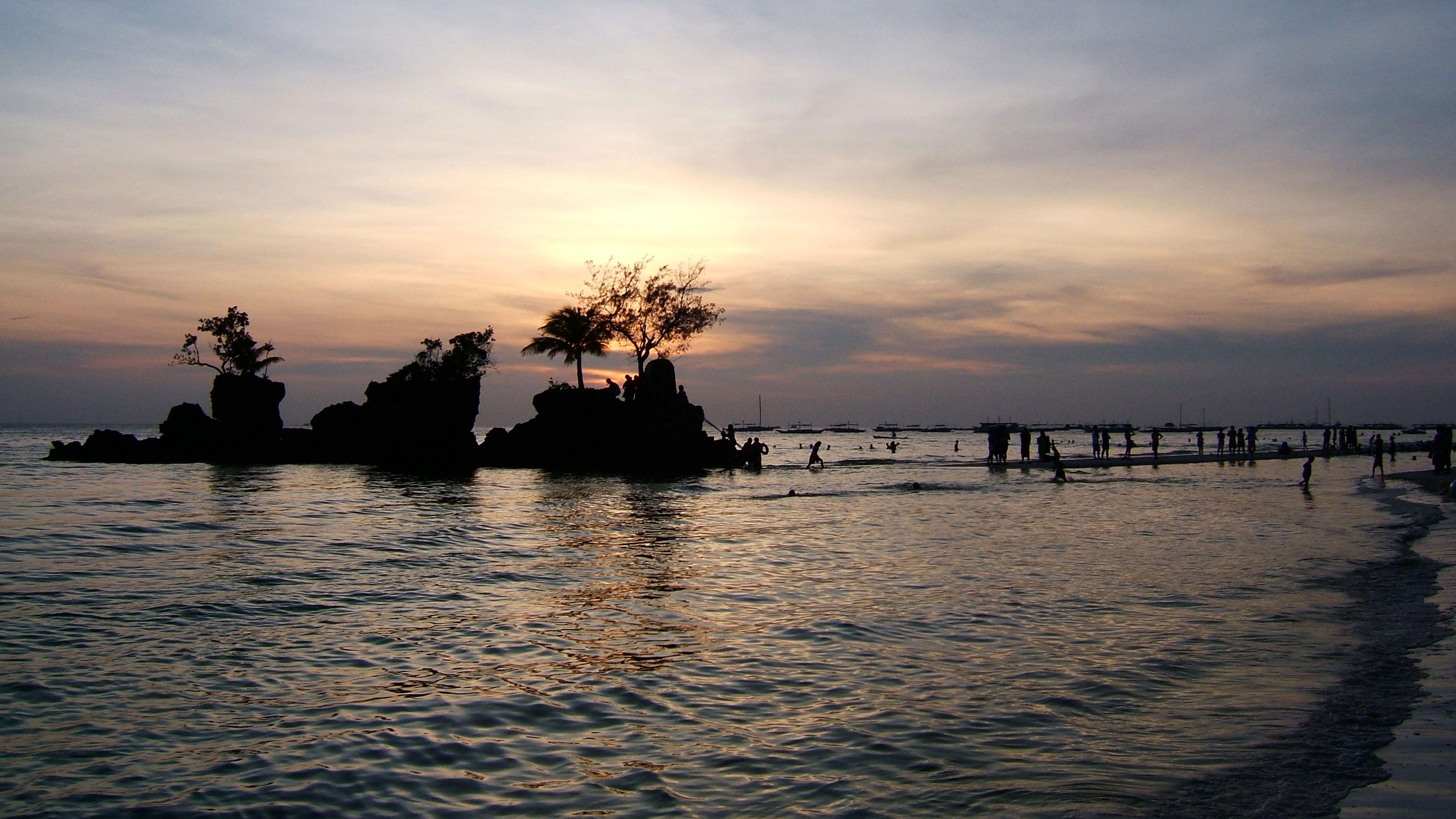 Philippines Panay Negros Caticlan Boracay White Beach Sunset Dec 2003 10
