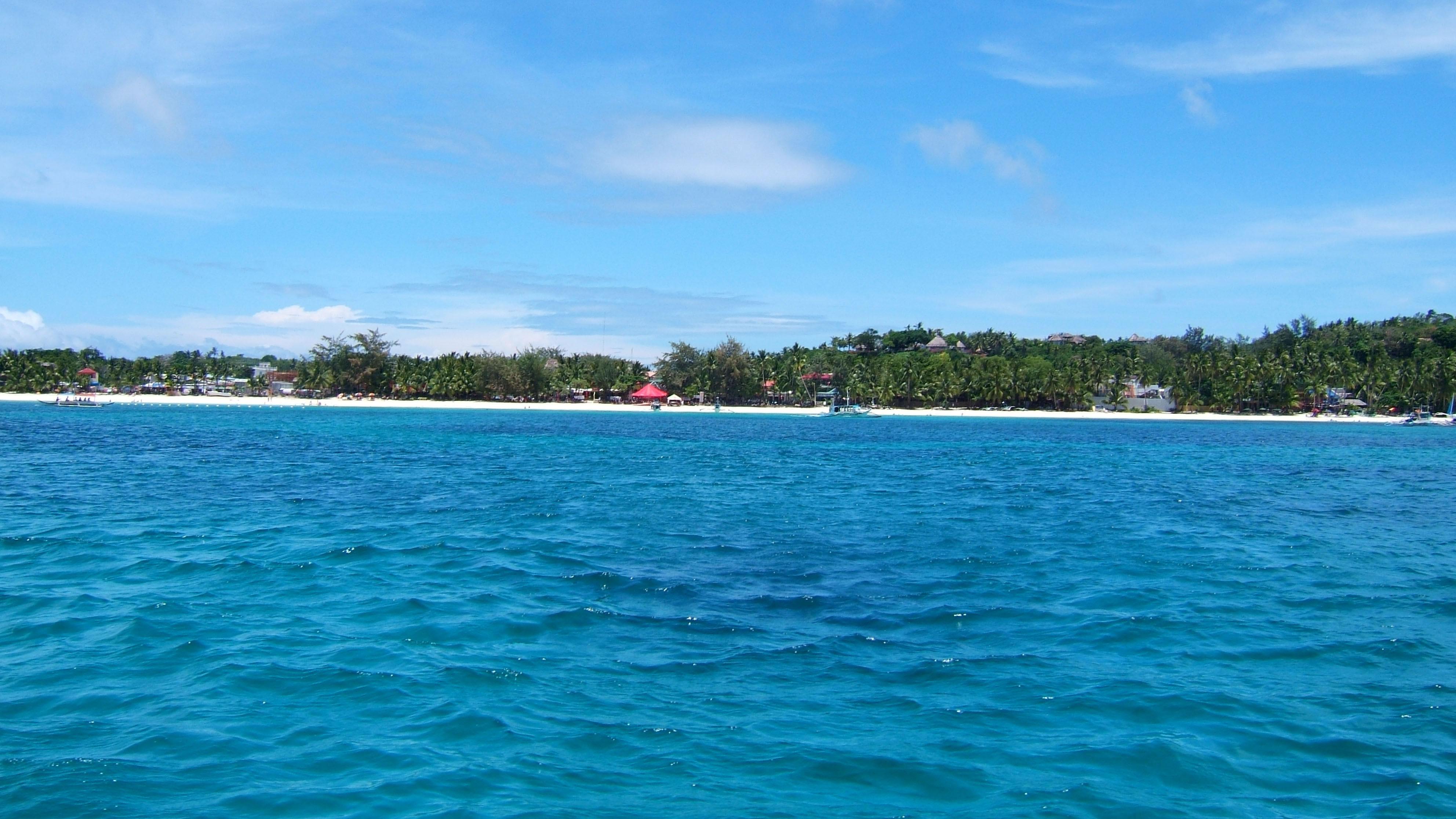 Philippines Sugar Islands Caticlan Boracay White Beach Apr 2006 01