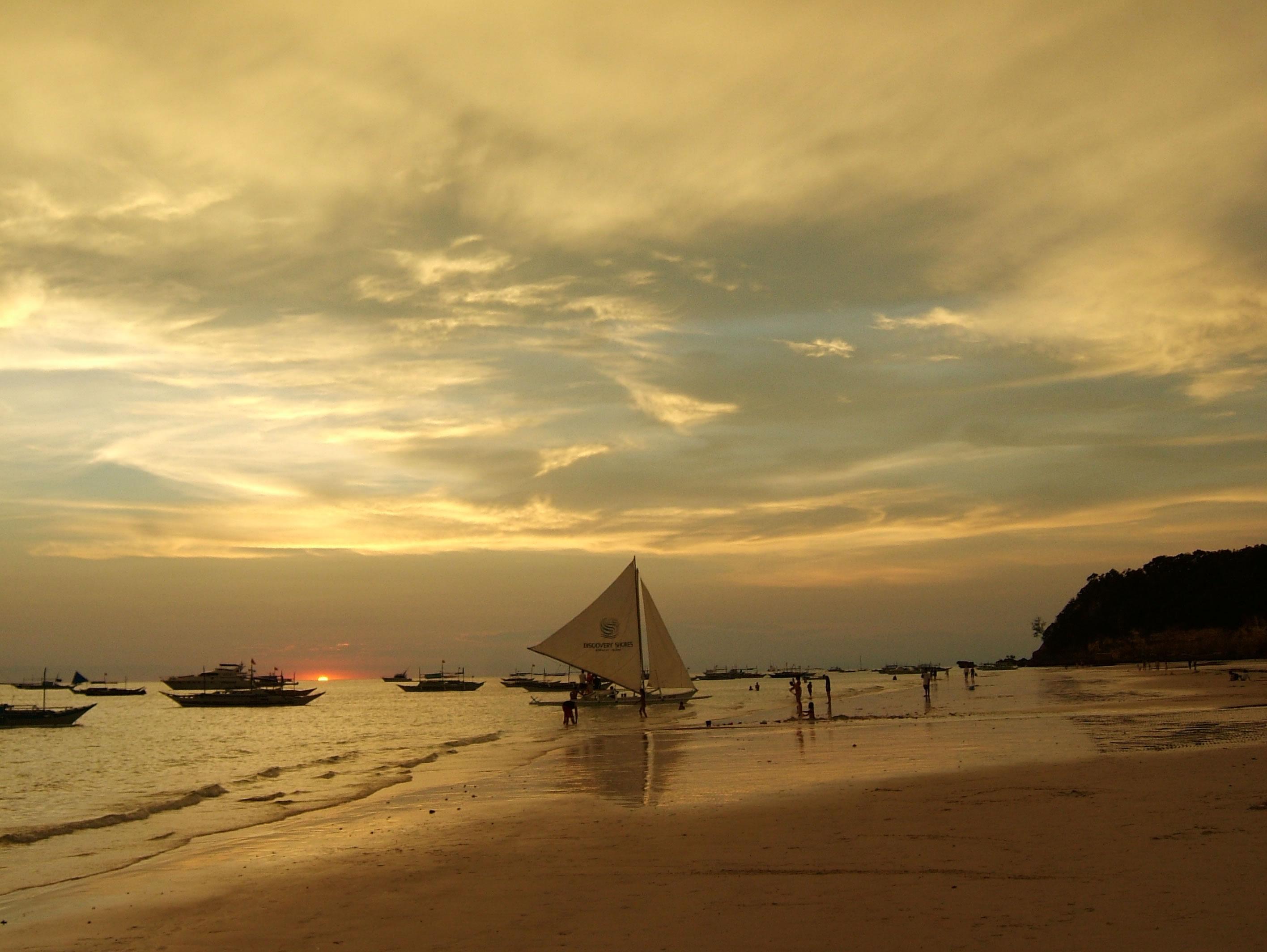 Philippines Sugar Islands Caticlan Boracay White Beach Sunset 2007 28