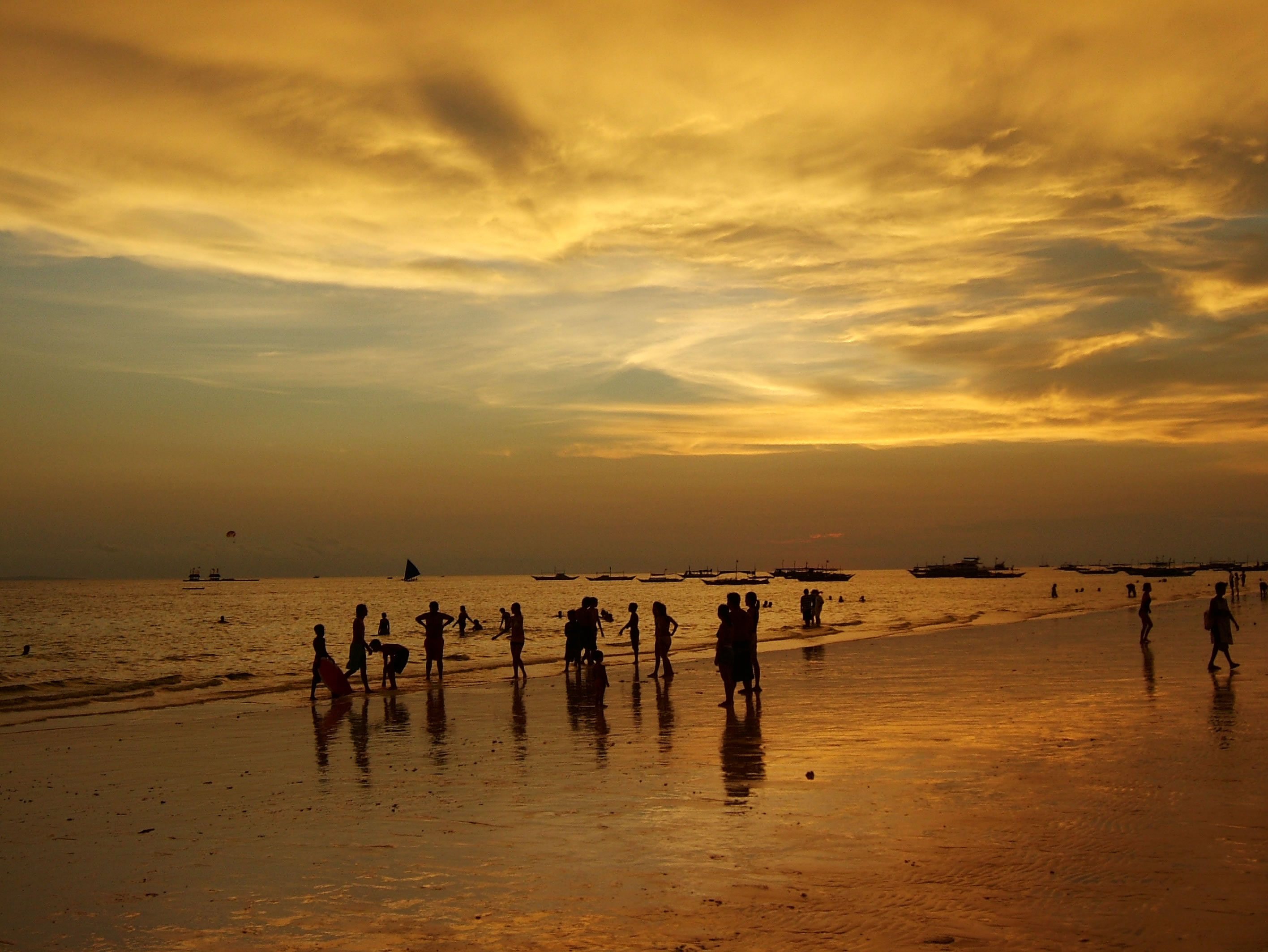 Philippines Sugar Islands Caticlan Boracay White Beach Sunset 2007 33
