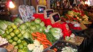 Asisbiz Calapan markets are open most days Oriental Mindoro Philippines Jan 2006 04