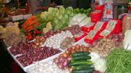 Asisbiz Calapan markets are open most days Oriental Mindoro Philippines Jan 2006 06
