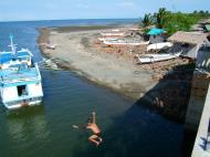 Asisbiz Kids diving of Naujan Estrella bridge Oriental Mindoro Philippines Feb 2006 18
